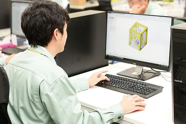 製品の設計は専門的な知識や技術が必要。 責任も大きいです。