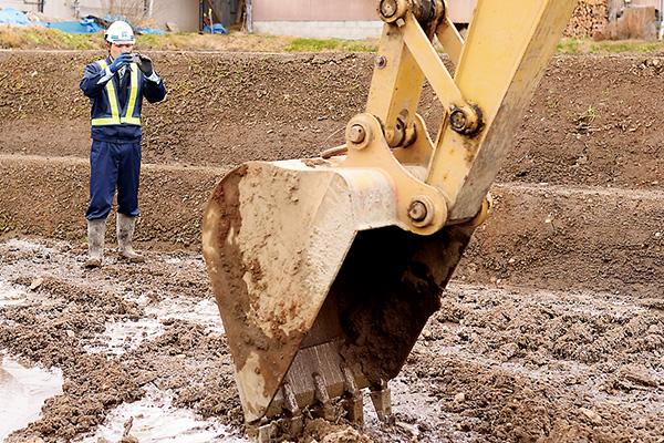 工事の発注者に報告するため 過程を写真に残していきます。