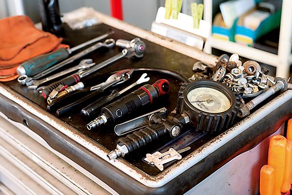 整備に使うサービスツール。 それぞれ重要な工具です。